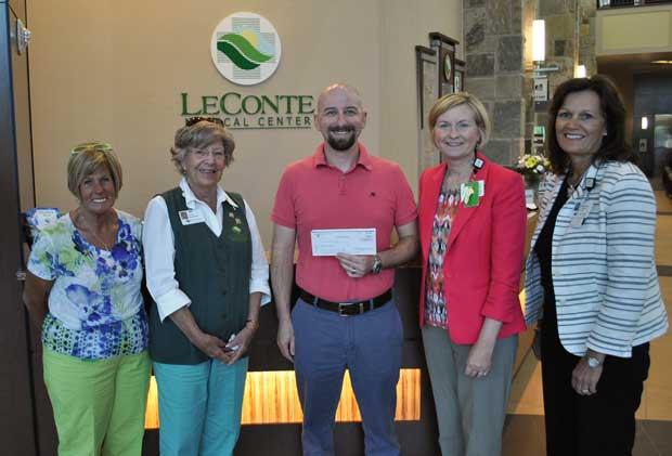 Jon Coppenger Awarded LeConte Medical Center Volunteer Scholarship