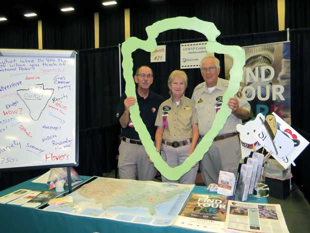 Centennial Volunteer Ambassadors participate in Wilderness Wildlife Week.