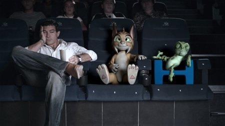 Antonio Banderas con algunos de los personajes de 'El lince perdido'