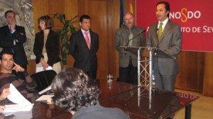 Gómez de Celis explicó los seis ejes fundamentales de las inversiones de la Gerencia para 2009.