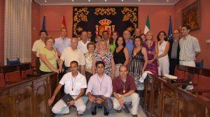 Foto de grupo de la reunión del senado en la que 14 de sus miembros son incorporaciones nuevas