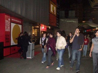 La afluencia de público llenó un día más las salas en Nervión/J.A.Pérez