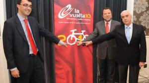 Luciano Alonso, Alfredo Sánchez Monteseirín y Javier Guillén, durante la presentación