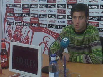 El catalán quiere permanecer en la primera plantilla a costa de esfuerzo y buen juego/SevillaFC