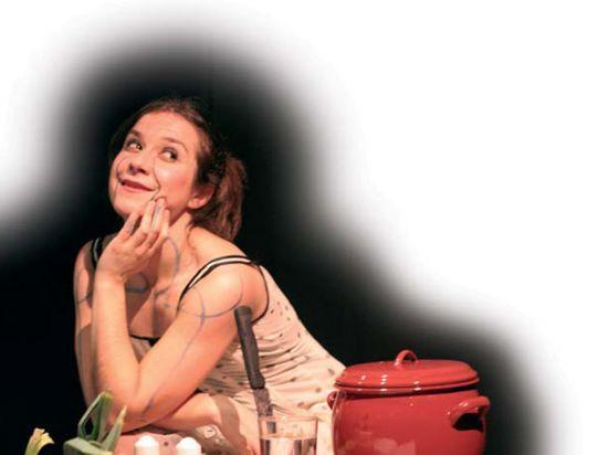 'Mejorcita de lo mío' está interpretada en solitario por Pilar Gómez