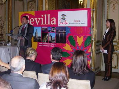 El Fitur ha sido testigo del programa presentado por el alcalde con el Guadalquivir como protagonista.