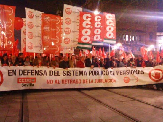 Hasta 10.000 personas se manifestaron ayer en Sevilla/Christopher Rivas