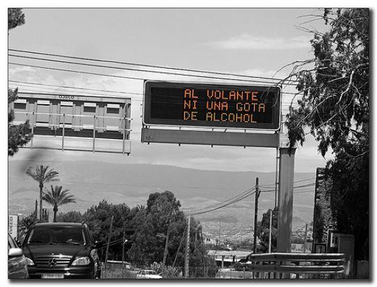 La DGT continúa con su campaña para evitar accidentes prohibiendo el alcohol/flickr.