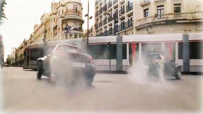 El tranvía metrocentro de Sevilla en una de las escenas de Knigh & Day