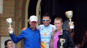 Samer Alí, en el centro, ganador en categoría masculina/SA