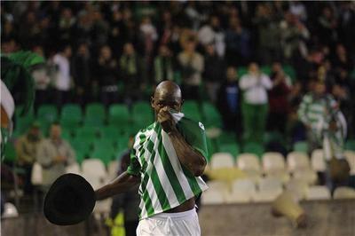 Emana fue el autor del gol de la victoria ante la Real Sociedad/realbetis