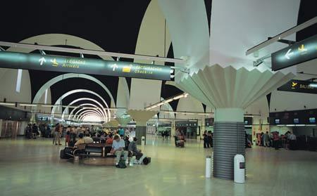 12 capitales europeas se ofertarán con las nuevas conexiones de Vueling desde Sevilla/SA
