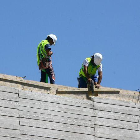 El sector de la construcción registró el mayor descenso de parados