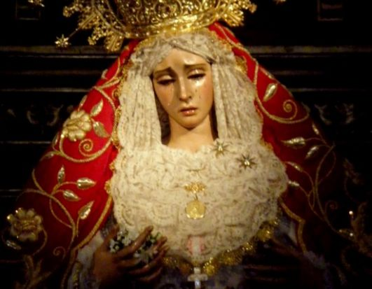 El robo de la cadena que la Virgen de la Amargura portaba en su brazo izquierdo pudo producirse en momentos de menos afluencia de feligreses al templo / Grupo Joven de la Hdad. de la Amargura