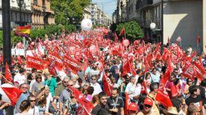 El acto más multitudinario ha sido la manifestación central de Andalucía, celebrada esta mañana en Sevilla