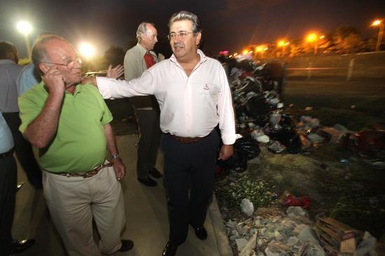 En los alrededores a las instalaciones deportivas del Charco de la Pava es más que evidente la acumulación de basura