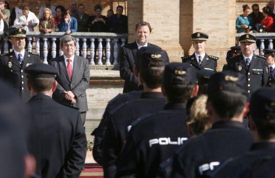 Nuevos agentes en el acto celebrado en Plaza de España