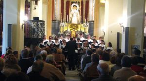 El ciclo de música en los templos ha comenzado este domingo día 5 con la Escolanía de Los Palacios