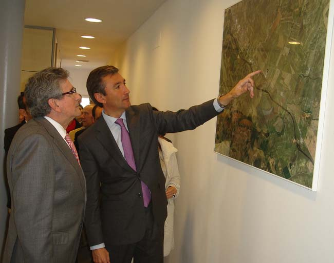 El consejero de Gobernación ha inaugurado esta mañana el nuevo Ayuntamiento