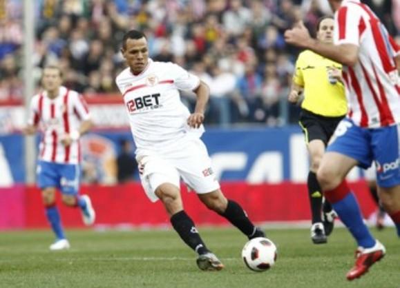 Luis Fabiano estuvo muy activo durante todo el encuentro, aunque no consiguió marcar/Sevilla FC