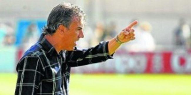 Oli dirigiendo al filial verdiblanco durante un encuentro de esta temporada/Real Betis