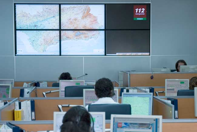 Sala de operaciones del 112, donde se coordina la actividad del servicio de emergencias de Andalucía