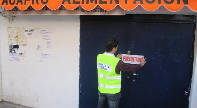 precintado-tienda-alimentacion-policia-local-120212