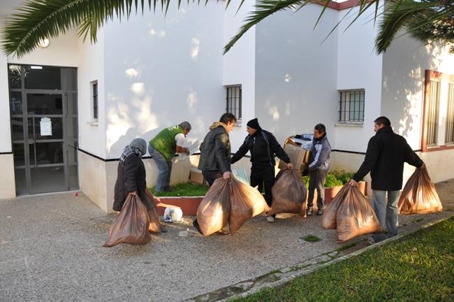 El municipio sevillano de El Coronil vive su decimosegunda jornada de huelga de recogida de basuras./ El Coronil