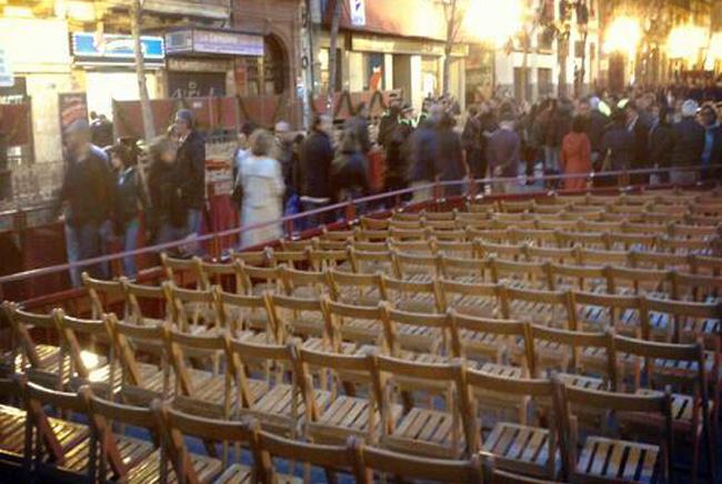 La sillas de la Campana, vacías durante el Viernes Santo/Sevilla Actualidad