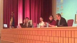 El salón de grados de la Facultad de Comunicación, en La Cartuja, acoge las jornadas de la profesión periodística / Sevilla Actualidad