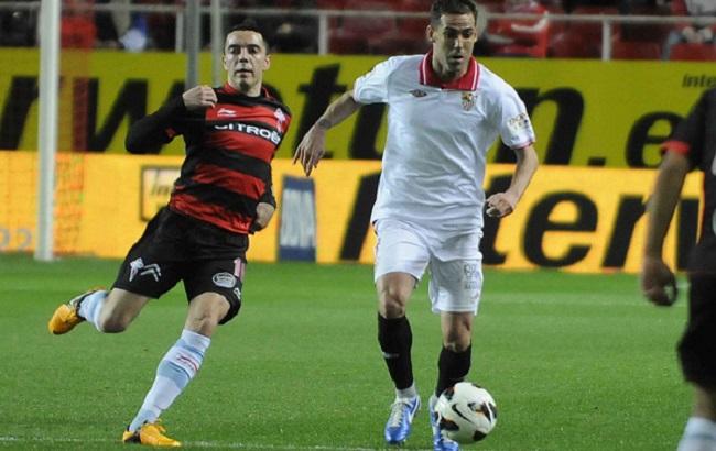 El Sevilla esperará al Comité de Apelación para evitar la baja de Fernando Navarro / SEVILLA F.C.