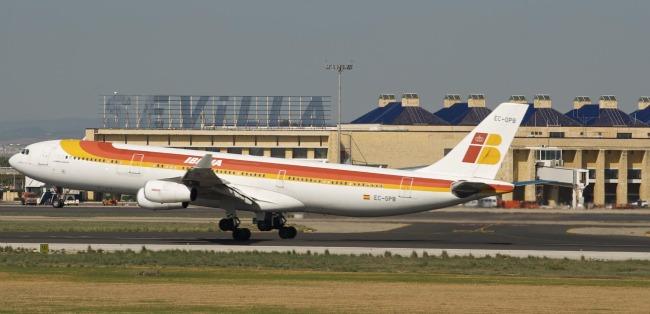 aeropuerto-sevilla-aeronave