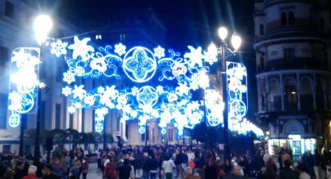 iluminacion-av-constitucion-2013-ale-balbuena