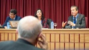 La periodista Sara Armesto ha sido la encargada de moderar el debate protagonizado por Federico Mayor Zaragoza y Diego Valderas.