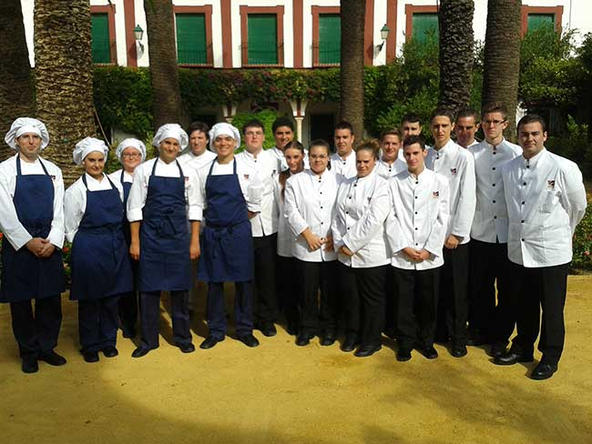 alumnos-gambrinusAperitivo-Hacienda-Guzman-2