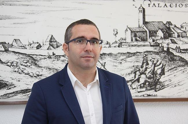 Juan-Manuel-Valle-alcalde-de-Los-Palacios