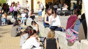 alumnos-estudiando-examenes-selectividad