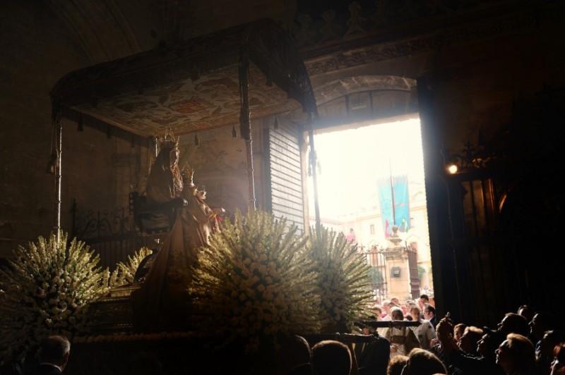 reyes-virgen-patrona-archidiocesis-sevilla