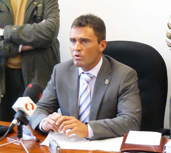 alcalde-alanis-cecilio-fuentes-huelga-hambre