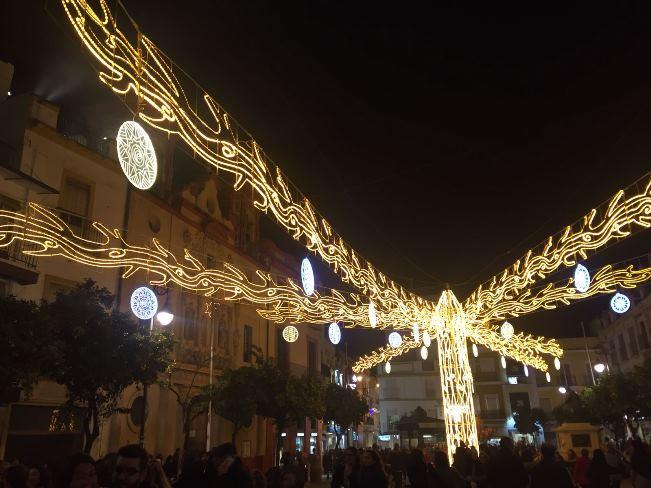Árbol de Navidad en la Plaza del Salvador de Sevilla/ Candela Vázquez/Sevilla Actualidad