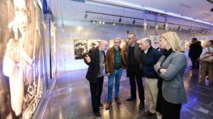 Antonio Muñoz junto a Javier Paisano, Miguel Olid, Manuel Marvizóny Verónica Repiso, en la inauguración de la exposición fotográfica 'García Maroto: de Jaén a Hollywood'