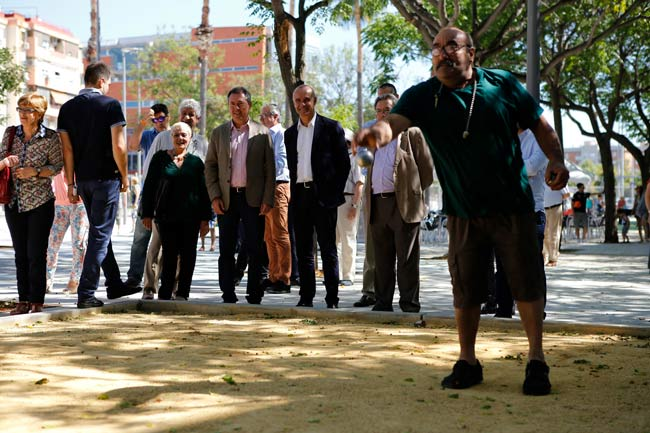 zona-ajardinada-calle-Juan-Antonio-Cavestany