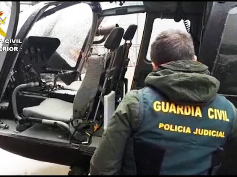 Helicóptero incautado por la Guardia Civil en Las Cabezas de San Juan