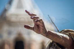 Detalle de la mano de Jesús Resucitado