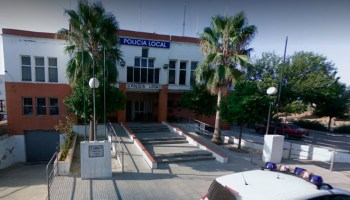 Comisaría de la Policía Local de Lora del Río / SA