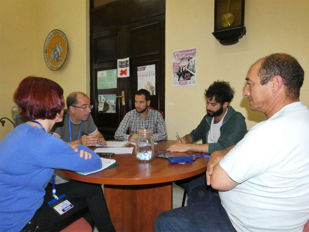 Reunión trabajadores subcontratas /Participa e IU