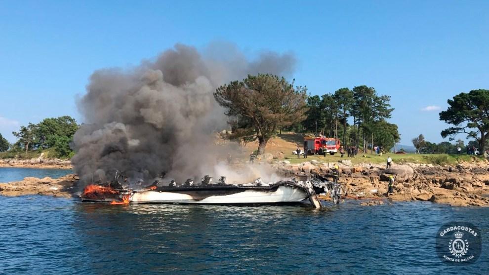 Embarcación que ardió en Pontevedra /Xunta
