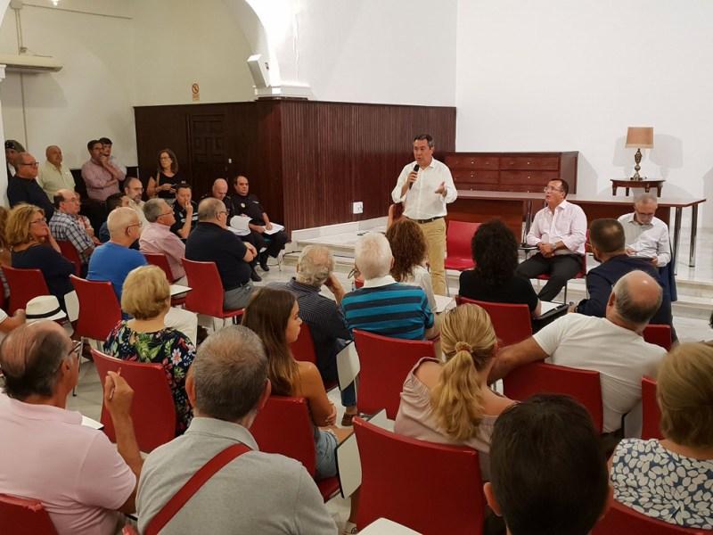 Reunión con los vecinos del distrito Macarena /Ayto. Sevilla