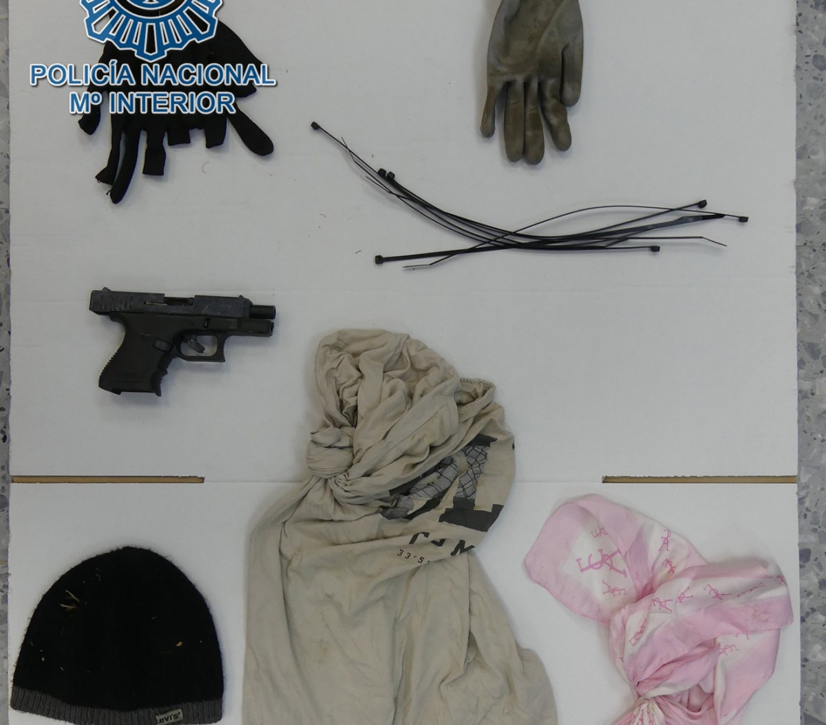 Enseres incautados a los asaltantes /Policía Nacional