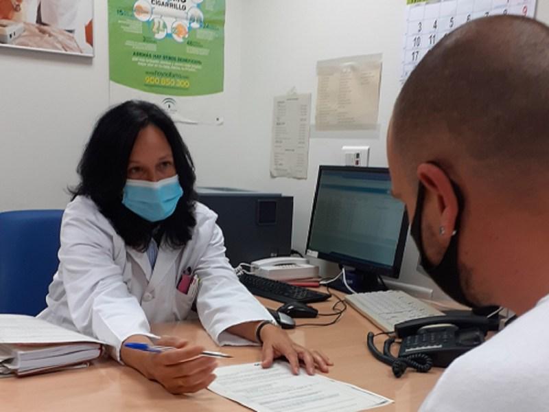 Soledad Montserrat, psicóloga de la Unidad de Tabaquismo del HUVM